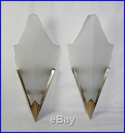 ART DECO 1930s STYLE PAIR WALL LAMP SCONCES SHADE GOLDEN BRASS AND GLASS