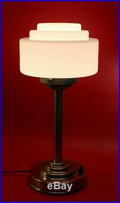ART DECO BAUHAUS Tischleuchte Stehlampe Opalglas vernickeltes Messing Tischlampe