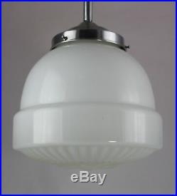 Alte Opalglas Lampe Ø 25 cm original ART DECO Hängelampe
