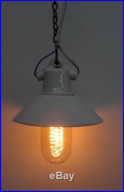 Antike kl. Weisse Porzellan Schirm Lampe Decken Leuchte Bauhaus Art Deco 1920