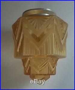 Art Deco Lampe Deckenlampe Lampe um 1930 Frankreich getrepptes Glas Kubistisch