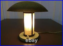 Art Deco Tischlampe Moderniste Verre Brass Glasstäbe Pilzform Frankreich um 1930