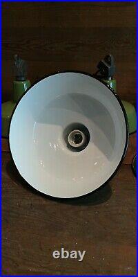 BAUHAUS ART DECO INDUSTRIE LAMPE FABRIK LEUCHTE Schirm EMAILLE LAMPE Ø26cm Grün