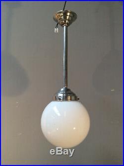 BAUHAUS Jugendstil ART DECO Lampe Milchglas-KUGEL Chrom original um 1920