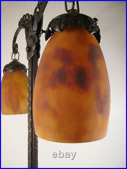DAUM NANCY Grande lampe double art déco fer forgé & tulipes pâte en de verre