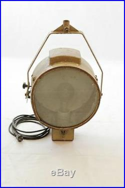 Großer alter Strahler Suchscheinwerfer Art Deco Design Lampe Flutlicht Tripod