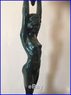 Nice 1930's Art Deco Everlite Nude Figural Lamp With Lighted Leaded Glass Base