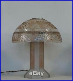 RENÉ LALIQUE FRENCH 1926 ART DECO LAMP Saint Vincent. 1925 1930