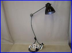 Schöne alte Gelenkarmlampe LBL, Art Deco Lampe, Werkstattlampe, Bauhaus Design