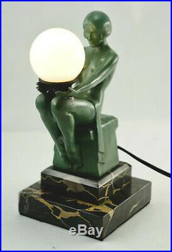 Seltene Max le Verrier Art Deco-Tischlampe, Metallguß, signiert. (3N1)