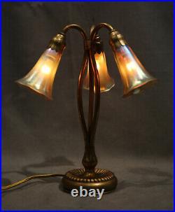 Tiffany 3 Lillies Art Nouveau Antique Table Lamp Glass with Braonze Base Deco